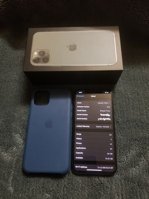 iPhone 11 pro (BLOCKED) for Sale in Chicago, IL