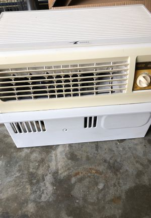 Small window ac for Sale in Burtonsville, MD