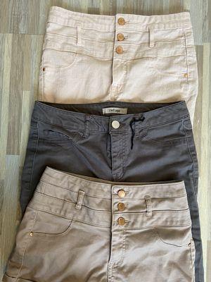 Charlotte Russe pants/shorts size 4 for Sale in Apache Junction, AZ