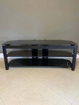TV Stand Entertainment Table 58 inches wide for Sale in Hialeah, FL