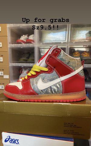 VNDS Nike SB dunk high shoe goo sz9.5 for Sale in Bridgeport, CT
