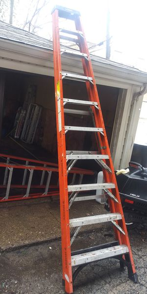 10 foot ladder. Escalera de 10 pies ..very good condition for Sale in Chicago, IL