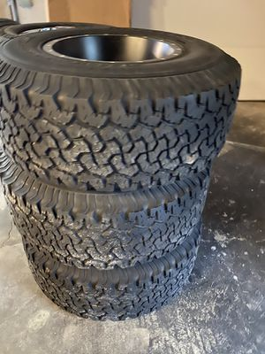 32×11.50R15 Jeep Wrangler wheels and Tires for Sale in Seattle, WA