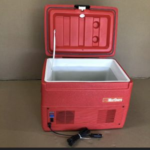 MARLBORO ICE CHEST COOLING & HEATING AC ADAPTER ! for Sale in San Antonio, TX