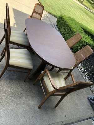 Kitchen /dining table for Sale in North Royalton, OH