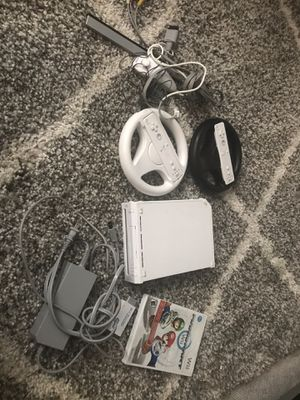 Wii with Mario Kart and wheels for Sale in Washington, DC