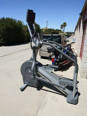Life Fitness Commercial Summit Trainer with. HDTV for Sale in Hemet, CA