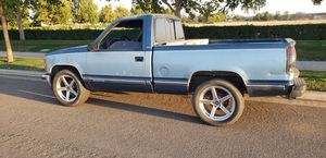 92 Chevy Silverado v8 short bed clean title tags till January 2020new catalytic converter pass smog no problem motor transmission very strong for Sale in Fresno, CA