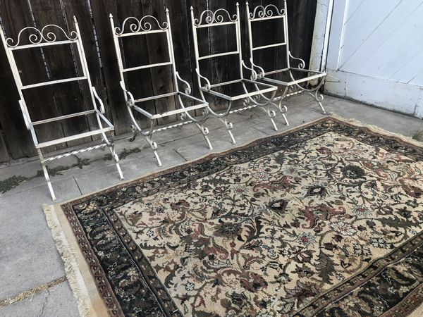 Iron garden chairs frames !! Really nice vintage chairs for a protect asking $ 60 for all 4 firm price!!!!!