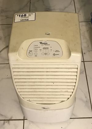Dehumidifier whirlpool gold ( accudry ) for Sale in West Palm Beach, FL