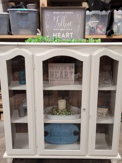 Glass Display Cabinet for Sale in Sumner,  WA