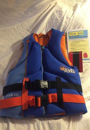 Liquid force Junior hinge life vest for Sale in Scottsdale, AZ