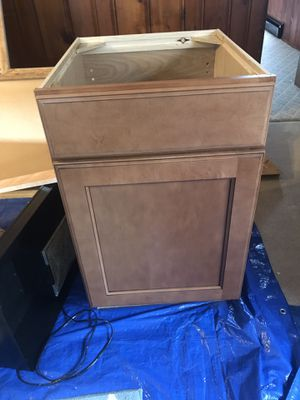 """Brand new 24"""" kitchen cabinet for Sale in Jeannette, PA"""