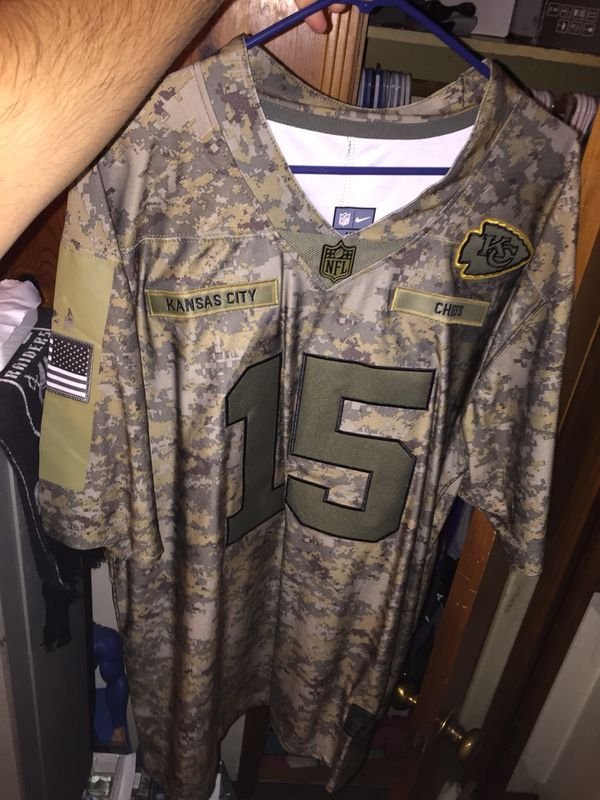"best loved 68d92 b6ad7 KANSIS CITY CHIEFS PATRICK MAHOMES JERSEY SIZE XL ""SALUTE TO SERVICE"" for  Sale in Ontario, CA - OfferUp"