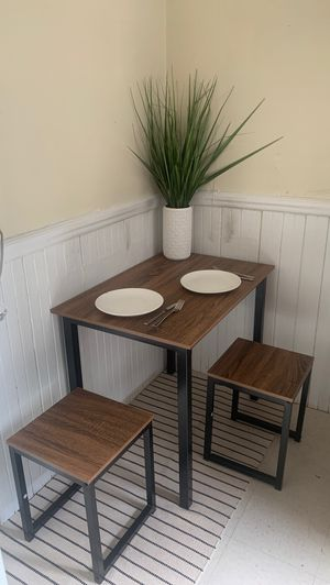 HOMURY table set for two for Sale in Brookline, MA