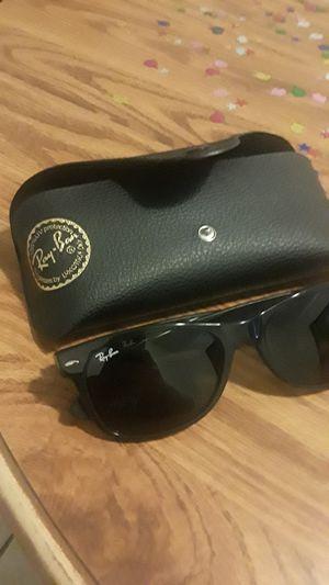 Ray-Ban New Wayfarer sunglasses. for Sale in Tampa, FL