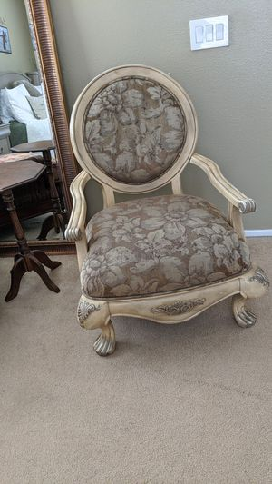 Antique Vintage Chair for Sale in Rancho Cucamonga, CA