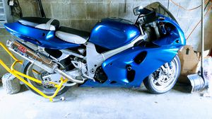 Motorcycle 2002 Suzuki tlr 1000 for Sale in Bethlehem, PA