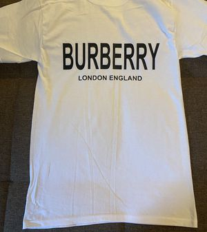 Burberry shirt for Sale in Chicago, IL