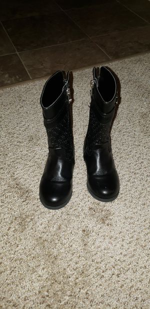 Toddler girl boots size 9 for Sale in Lewis McChord, WA