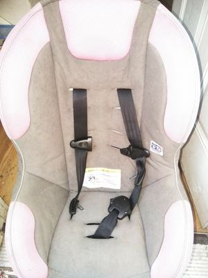 Pink and grey booster seat for Sale in Cleveland, OH