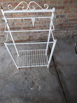 Metal stand for Sale in Chicago, IL