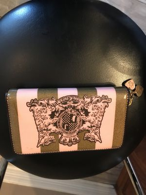 Juicy couture wallet and makeup brush for Sale in Harker Heights, TX