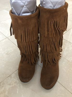 Boots Minnetonka Moccasins Size 7 for Sale in Hollywood, FL