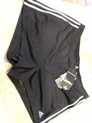 Adidas women shorts size xl for Sale in Charlotte, NC