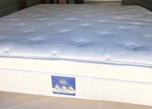 King size pillow top mattress plush comes with boxspring Perfect Sleeper Elite bb II mattress features better pressure point relief, a supportive coi for Sale in Renton, WA