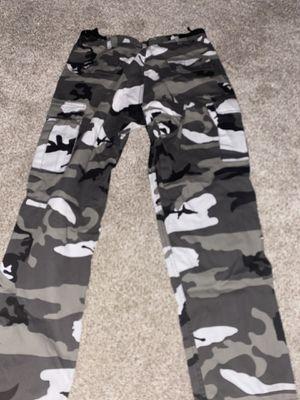 Zumiez baggy camo pants for Sale in Buford, GA
