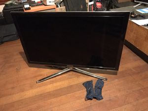 "Samsung 3D 40"" TV with 2 Pairs of Glasses for Sale in San Diego, CA"
