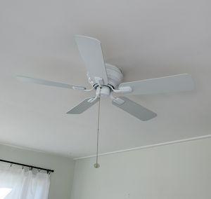 White Ceiling Fan for Sale in BELLEAIR BLF, FL