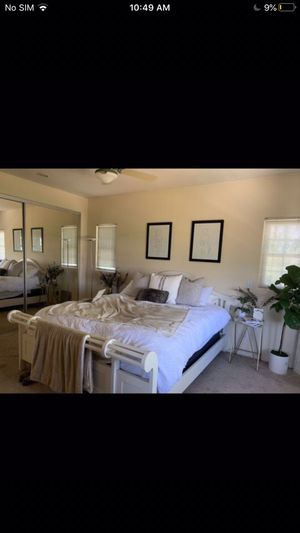 Cal King bed frame for Sale in Imperial Beach, CA