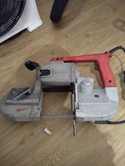Milwaukee Electric Band Saw for Sale in Los Angeles,  CA