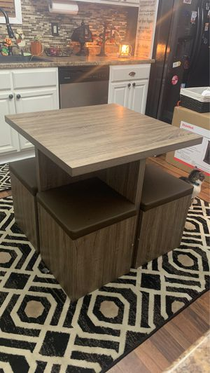 Small dining table for Sale in New Salem, PA