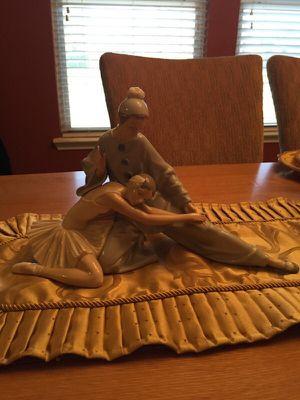 Authentic Lladro closing scene figurine $325 no original box for Sale in DeSoto, TX