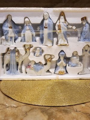 Christmas Ceramic Nativity Set Statues for Sale in Bloomingdale, IL