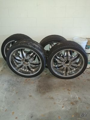 Status 24 inch rims with black inserts. for Sale in Orlando, FL