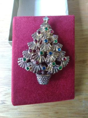 Vintage Christmas Tree Pin Brooch With 19 Color Rhinestones - One Of A Kind for Sale in Fullerton, CA