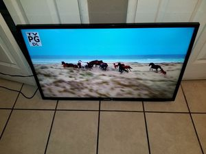 Samsung Tv 40 inches model LH40HDB NO BASE REMOTE INCLUDED for Sale in Glendale, AZ