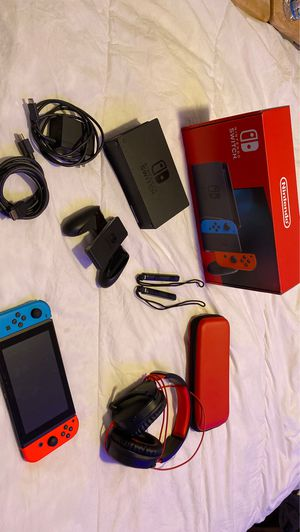 Switch console with Switch headphones and case for Sale in Fort Lauderdale, FL