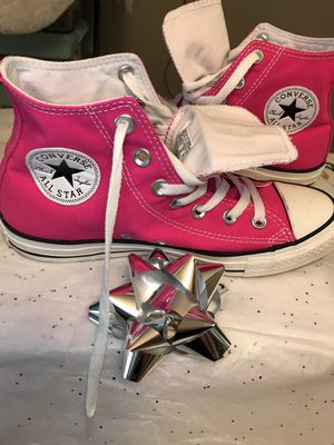 Converse size 8 woman's 6 Man used 2 times for Sale in MONTGOMRY VLG, MD