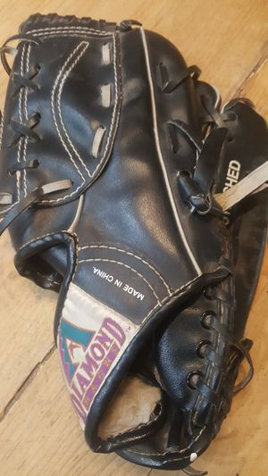 Baseball glove 11 inch for Sale in Chandler, AZ