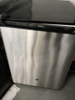 Mini Fridge With Freezer for Sale in San Marcos,  CA