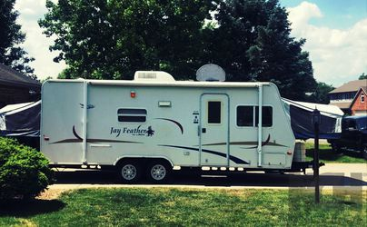 Sale 2005 Jayco Feather for Sale in Pittsburgh,  PA