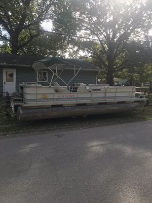 24 foot pontoon boat for Sale in Indianapolis, IN