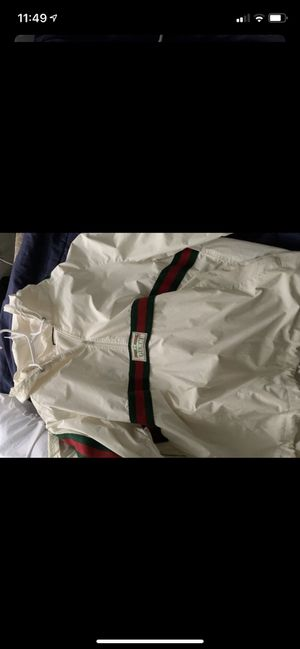 Gucci sweat suit with pants size large for Sale in Los Angeles, CA