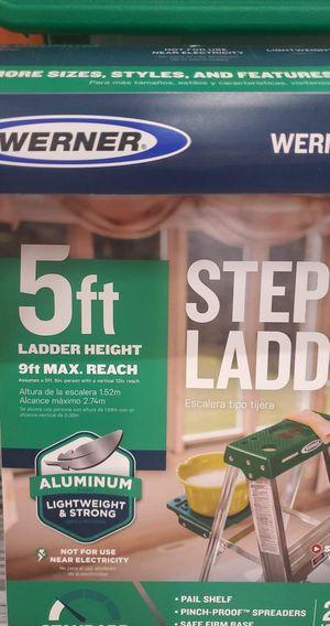 5 feet Ladder for Sale in Escondido, CA