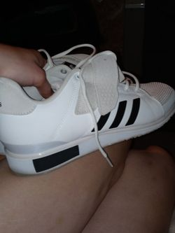 Like New Adidas Sz 11 1/2 MENS BOWLINGS SHOES for Sale in Columbus,  OH